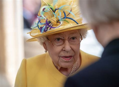 Queen Elizabeth joined by Princess Eugenie for Maundy