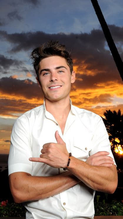 Zac Efron smile - Best htc one wallpapers, free and easy